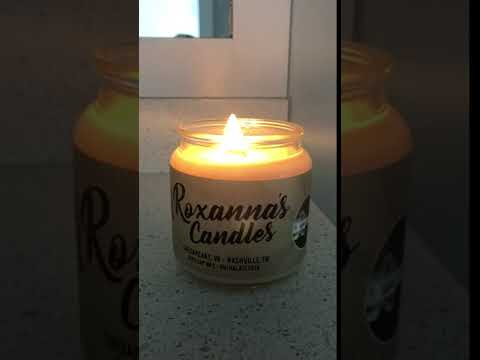 Vanilla Bean Soy Candle with Crackling Wooden Wick