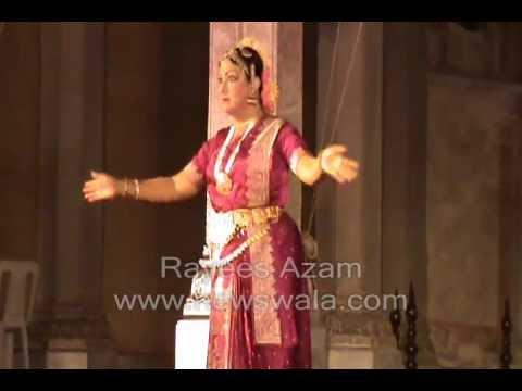 Newswala : Bharatanatiam by Dr. Padma Subramanyam at Chowmohalla Palace during world Heritage Day