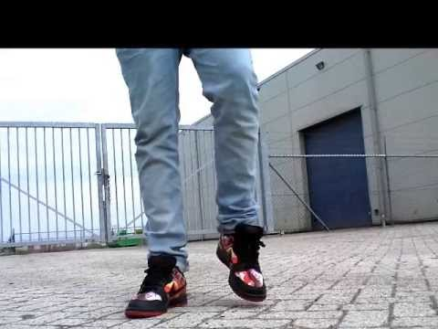 separation shoes 30900 2d045 ... pilotes cheap nike - Nike Dunk Low SB Pushead 1 - On Feet - YouTube ...