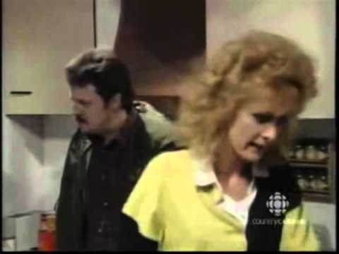 Coronation Street - Jim McDonald And Liz Argue About Des Barnes