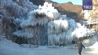 Китайская сказка  ледяное ущелье завоевало сердца туристов