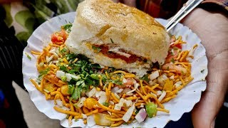 DABELI with CHAKNA for just Rs 25 | Desi Tawa Pizza | Indian Street Food