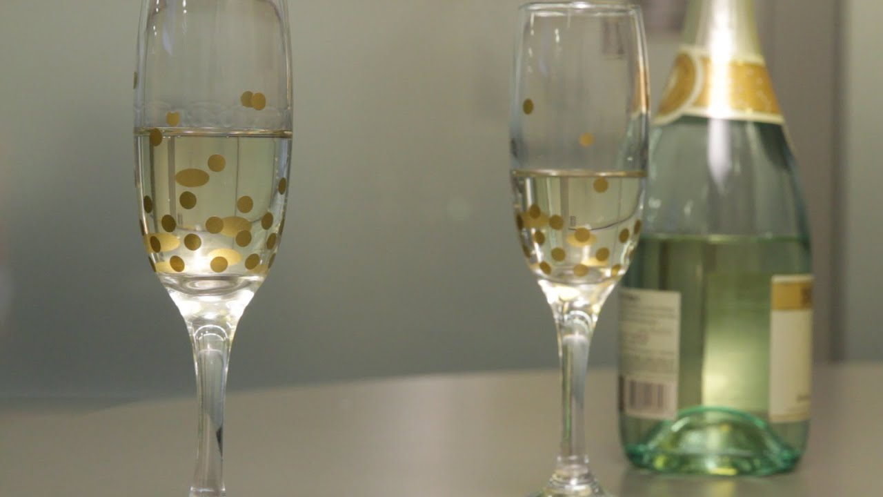 Finest Oscars how-to: Gold-dotted champagne glasses - YouTube GU78