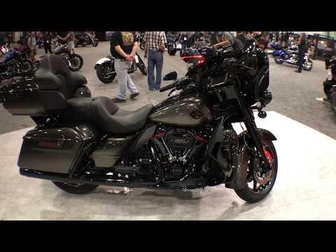 2018 Harley-Davidson CVO Limited Black Earth Fade