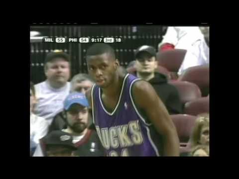 Michael Redd 28pts, Desmond Mason 21pts @ 76ers 2004-05