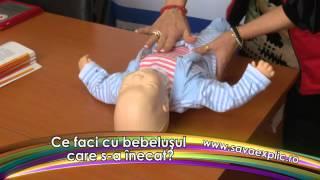 Cum acordam primul ajutor unui bebelus care s-a inecat?
