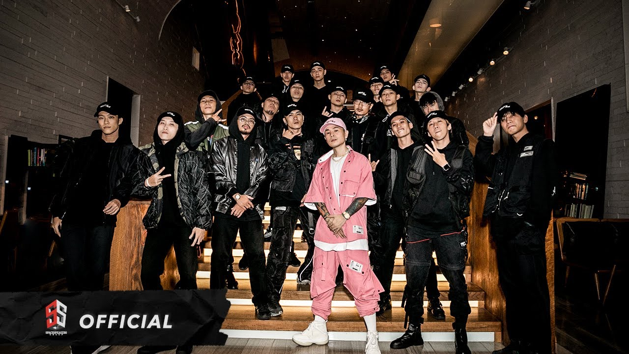 "TOULIVER x BINZ - ""BIGCITYBOI"" (Live Performance at LG 2020) #1"