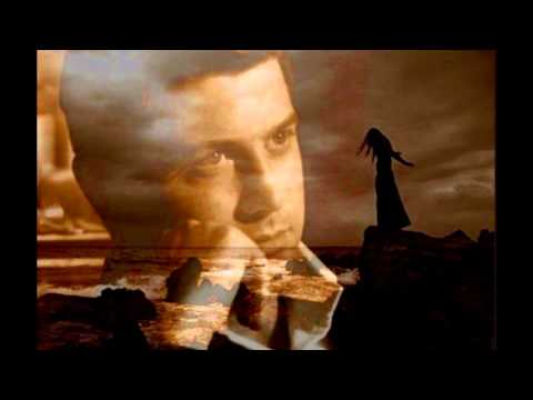 "IL Divo & Michael Ball ""Love Changes Everything"""