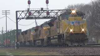 A TRAIN A MINUTE! INSANE Hi-Def Railfanning Action in Rochelle, IL 1-31-16