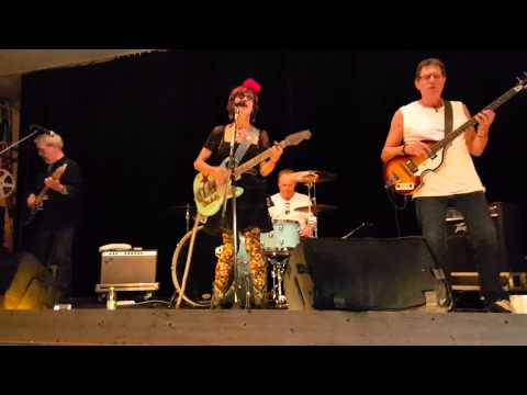 Get rhythm - Rosie Flores. Billy Bremner.