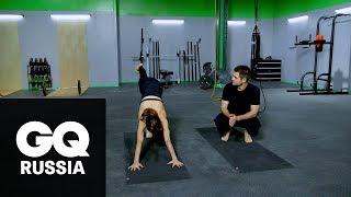 Бой с весом: тренировка для мышц кора в стиле йоги