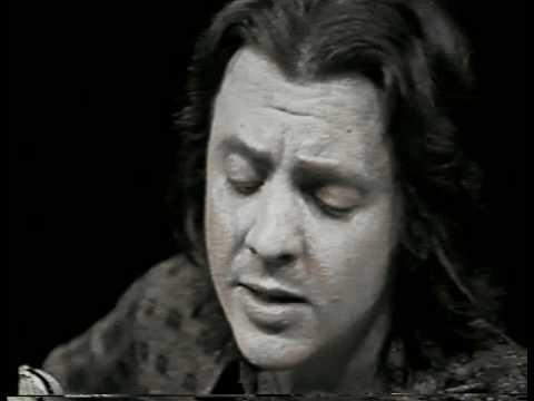 Sidney Miller canta