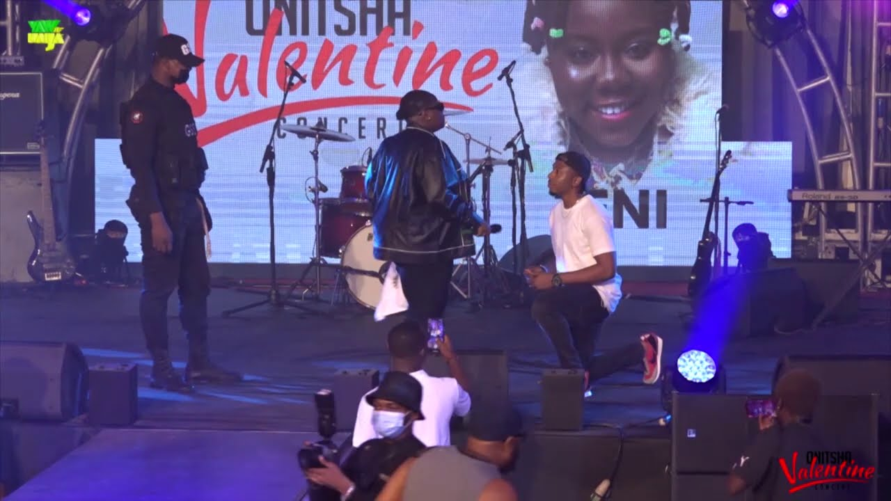 Download Watch as fan came out to propose to Teni at Onitsha Valentine Concert.