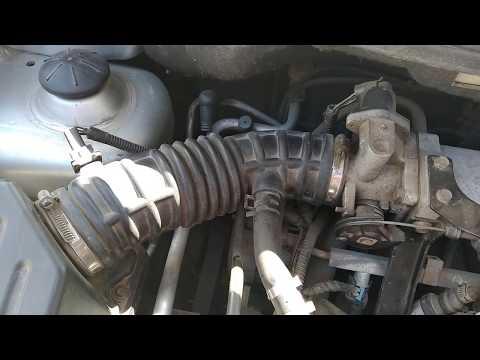 Заменой патрубка воздушного фильтра устранил перебои в авто