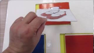 赤と青から、「赤い くつ」と言いながら、赤い色カードに透明なカードを...