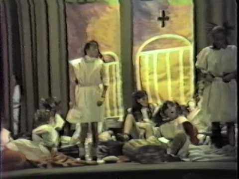 1984 Annie (1era parte). Colegio Rio de la Plata