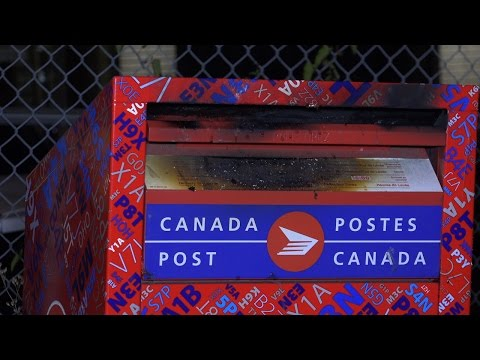 Canada Post Mailbox Set on Fire 12th St. New Westminster, B.C. Canada 4k