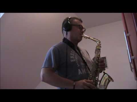 LOVE STORY - ALT sax Yamaha -  igranje v ŽIVO Vojko G.