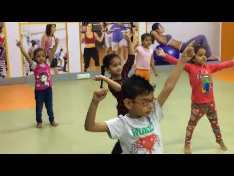 Golmaal Again Bollywood Dance For Kids...