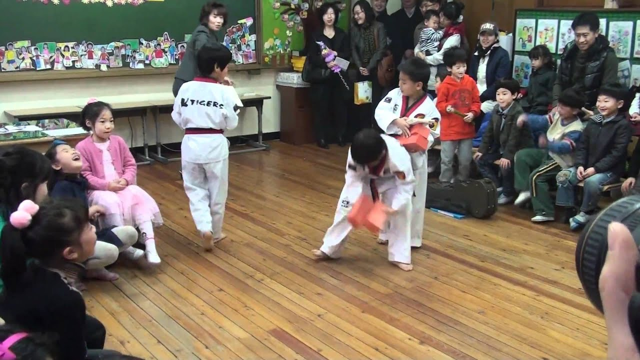 Taekwon Dance in JIDO Elementary school