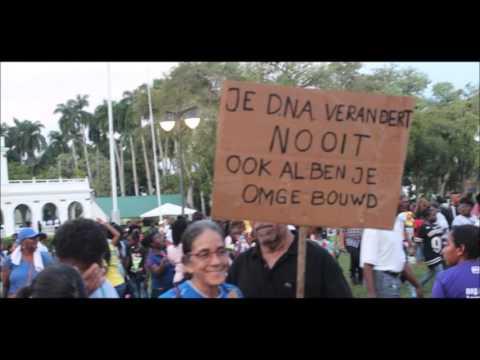 Radio uitzending over protest geslachtsverandering in Suriname