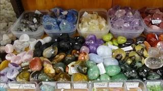 Bijuterii din pietre semipretioase si cristale naturale rare brute si prelucrate Gemstone ...