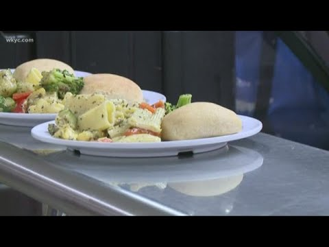 How Lakewood Catholic Academy is serving up the best school lunches you've ever seen: NorthEATS Ohio