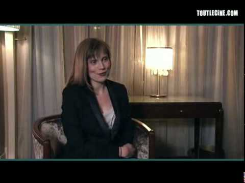 interview d 39 isabelle carr le refuge youtube. Black Bedroom Furniture Sets. Home Design Ideas