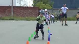 Обучение катанию на роликах детей в Челябинске(roller.icechel.ru)