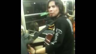 Rafael vudu en el metro de santiago 23-05