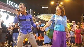 madu dan racun-Din Air feat redeem buskers,berdansa dengan minah salleh