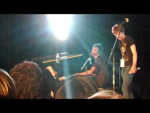 Tom Milsom & Alex Day - Eyelashes Live - VidCon