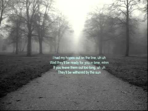 London Grammar -  In For The Kill (lyrics)