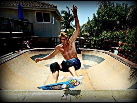 Iguana Bowl: Backyard Wooden Sk8 Bowl in Encinitas
