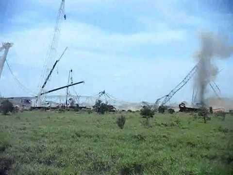 Fail Crawler Crane! Упал гусеничный кран! (www.vertikalnet.ru)