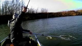 КАК ЛОВИТЬ ЩУКУ РЫБАЛКА НА ДЖИГ СПИНИНГ ПРИМАНКАМИ ИЗ СИЛИКОНА рыбалка с лодки