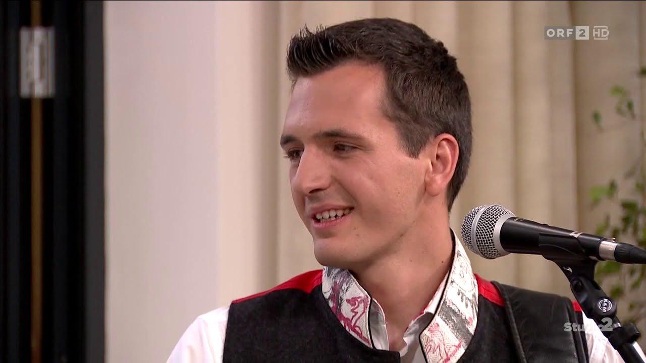 """Die Fetzig`n - live im TV bei Studio 2 - ORF2 - 2019; """"A Klampfn a Geign und an Kontrabass dazua"""""""