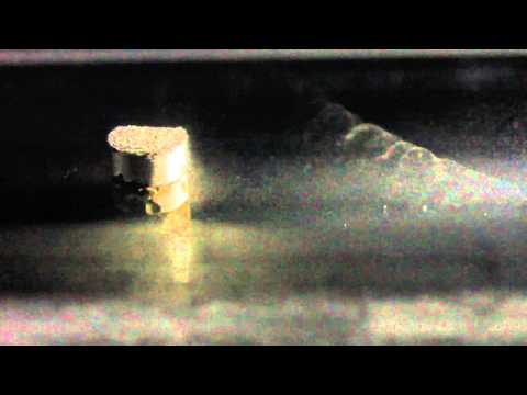 Muons vapor trails in a cloud chamber