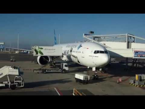 Garuda Indonesia/Amsterdam - London LGW/Boeing 777-300ER/Economy class/Nov 2014