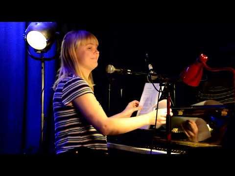 Emily Darre - Der bor en ung pige i mig