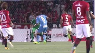 阿部 浩之(川崎F)が左足でゴール左隅に流し込み、自らの誕生日を祝う...