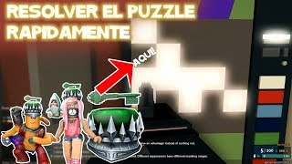 Solve the PUZZLE lights out of the vending machine at Phantom Forces Jade Key Roblox in Spanish