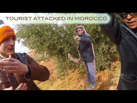 Tourist attacked in Ait Ben Haddou, Morocco by TOUR GUIDE 2016