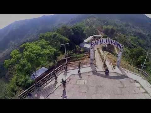 pesona-wisata-alam-batu-jubang-bukit-paralayang-jember-jawa-timur-indonesia