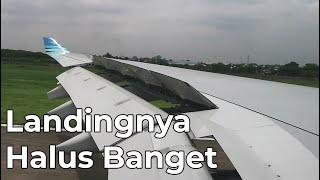 Gambar cover Garuda Indonesia Airbus A330-200 Landing di Bandara Soekarno-Hatta