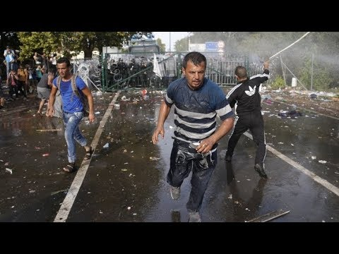 Hungary is the last defender of Europe - Hungarian army stopped Refugees - Migrants