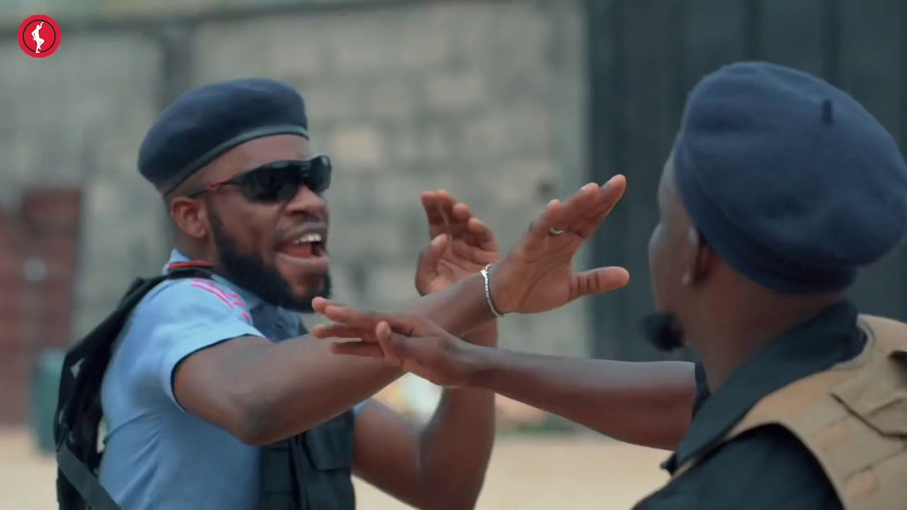 BRODAShaggi's new RECRUIT KICKED HIS PENISULLA ???????? #brodashaggi #oyahitme #comedy #nigeriacomed