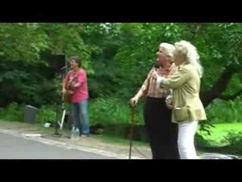 Sid Bernstein Sings