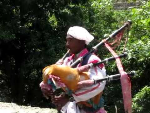 kumaon bagpipes wedding band dance on highway