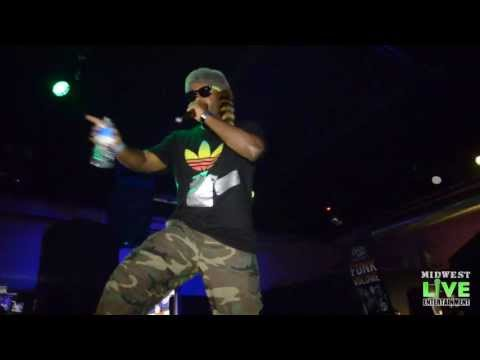 JARREN BENTON : SKTIZO - LIVE PERFORMANCE @ ANOTHER HOLE IN THE WALL - STEGER, IL